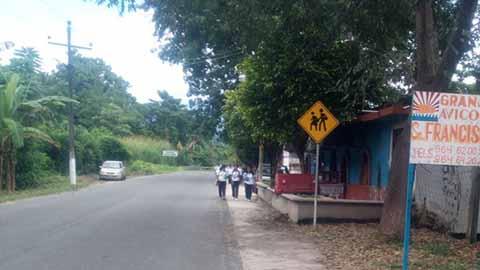 Permanece Cerrada la Escuela Secundaria en Xochiltepec de Tuzantán
