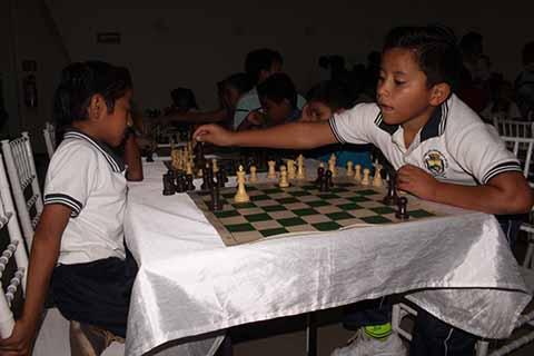 """Alumnos de la Primaria """"República de Cuba"""", Presentes en el Torneo de Ajedrez"""