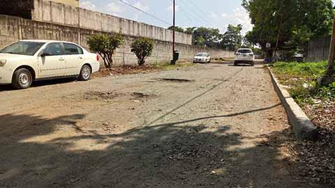 En Pésimas Condiciones se Encuentra Calle de Acceso a la Secretaría de Seguridad Pública Municipal
