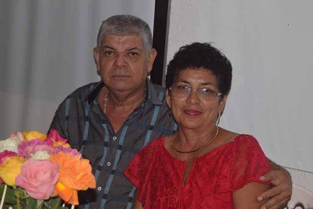 Manuel Castañeda, Vicky Flores.