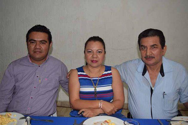 Juan Rosales, Clauda Fong, Diogenes Palacios.