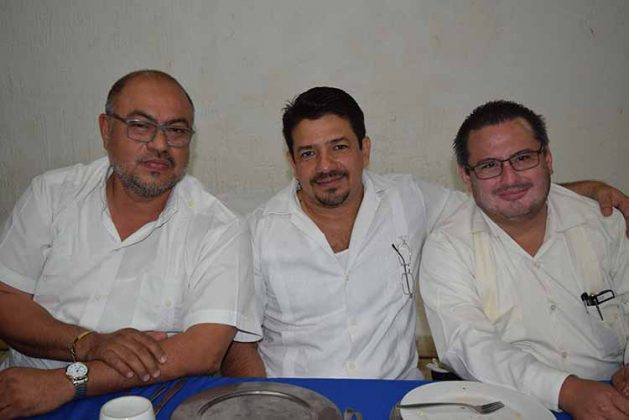 Amado de Gyvez, Carlos Montesinos, Alberto Meza.