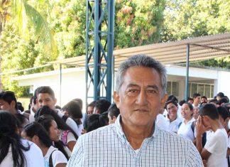 Delfino Fuentes, Reconocimiento por docente fundador de la institución.