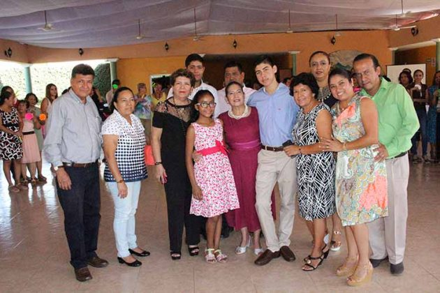 Rosa Isela Jiménez estuvo acompañada de su familia.