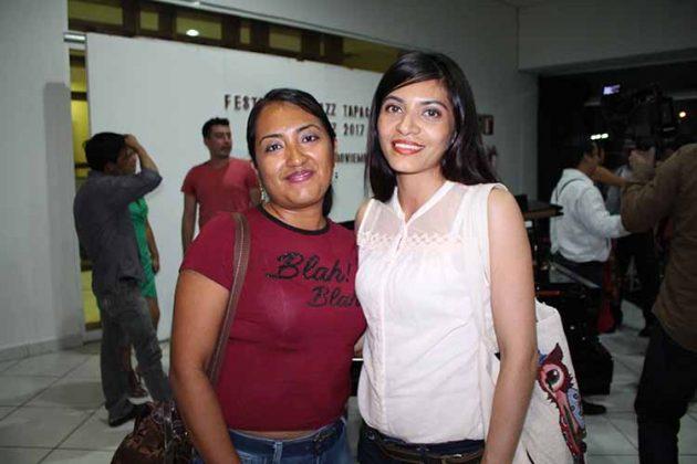 Karina López, Denisse Sol.