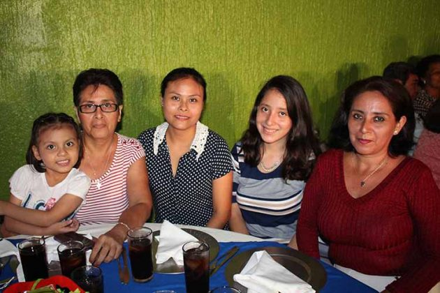 Karina Zoe, María Teresa, Berenice, Daniela, Carmen Argüello.