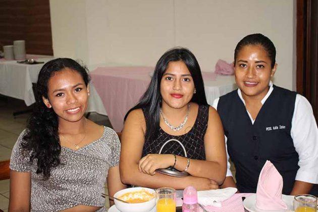 Nayeli Posada, Fernanda Enríquez, Katia Zapien.