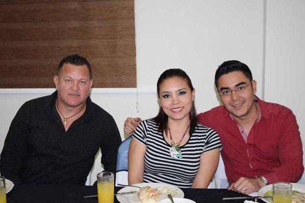 Tulio Coronado, Kenia Hernández, Alejandro Guillén.
