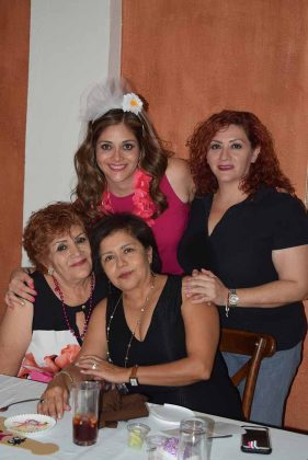 Eugenia González, Isabel Fanelli, Janette, Tania Barragán.