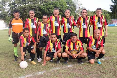 Empatan Deportivo Manzano y Club Oro