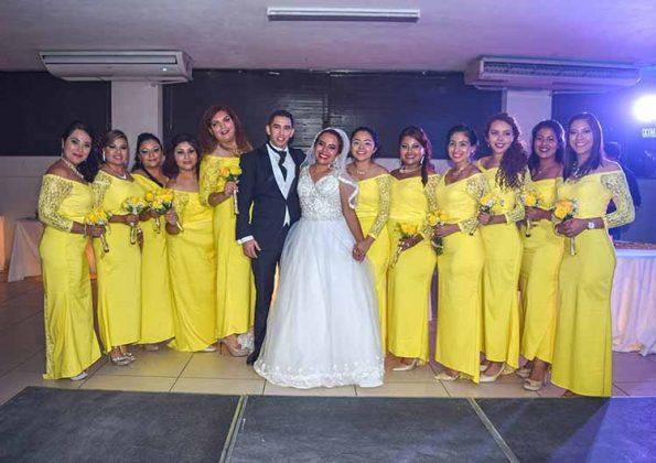 La foto del recuerdo con las damas.