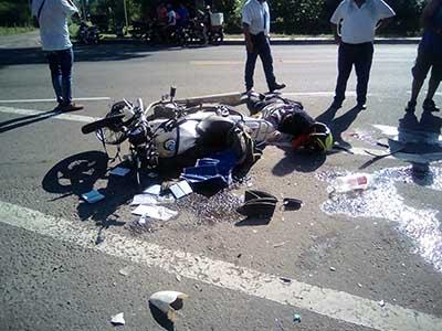 Atropelló a Motociclista y se dio a la Fuga