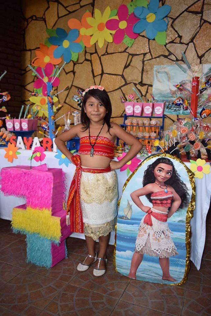 Evelyn Sayari Roblero Cabrera.