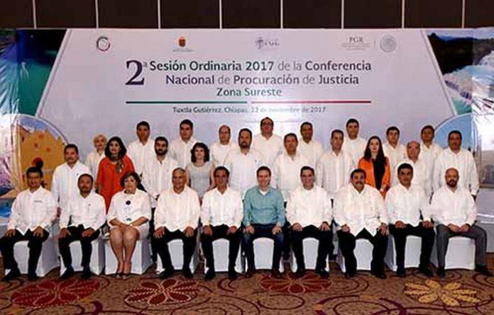 El mandatario estatal convocó a los fiscales del Sureste a trabajar juntos por la seguridad de México. Además destacó que Chiapas comparte su experiencia de ser uno de los estados más seguros del país.