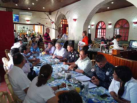 Ante altos mandos de la Policía Federal, integrantes de PROCENTRO expusieron el viacrucis que a diario padecen al dispararse la ola de asaltos, robos y crímenes en Tapachula.