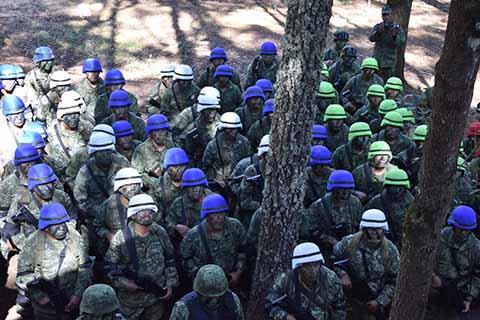 Personal Militar se Adiestra Para Brindar Seguridad a la Población