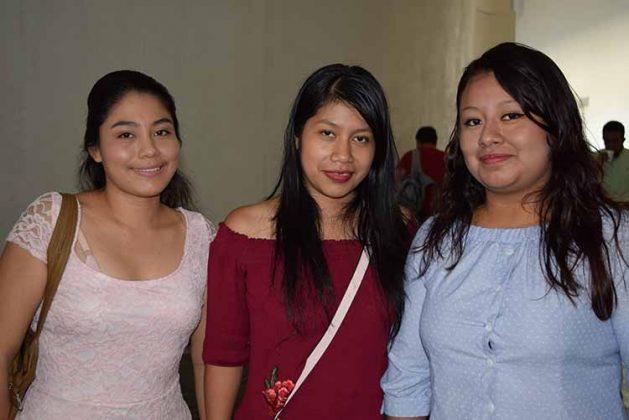 Decsi Laparra, Seleny Aguilar, Rosa Roblero.