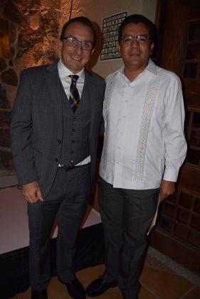 Encabezaron este acto, el Presidente del Corporativo Capillas Señoriales: Andrés Aguilar & Carlos Calderón, sub Delegado de la Secretaría de Economía Federal.