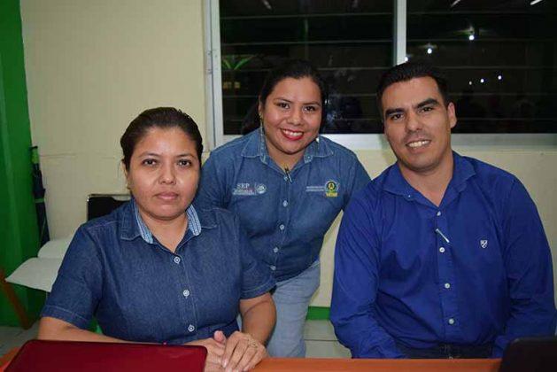 Georgina Pacheco, Itzel de León, Luis Barradas.