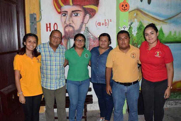 "Personas del Instituto ""Aurelio Baldor"" Alejandra González, Carlos Chacón, Iris Pérez, Gloria Espinosa, Edgar Núñez, Guadalupe Toledo."