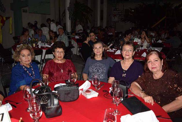 Celcy Monrroy, Tere Corzo, Loti Corzo, Isabel Castillo, Hilda Pascacio.