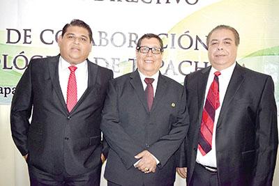 Oscar Fernández, asesor; Fernando López, presidente; Fausto Salvador, secretario.