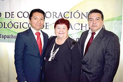 Eduardo Mina, Educación, Investigación y Posgrado; Maritelma Paredes, Secretaría de la Mujer, Abner Vázquez, coordinador de Capacitación.