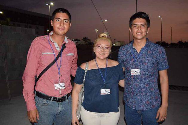 Adrián Velázquez, Karen Pérez, Emmanuel Guzmán.