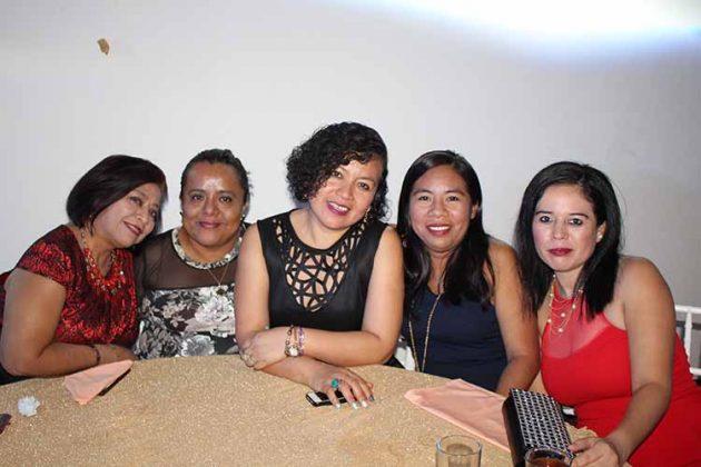Eugenia López, Victoria Aguilar, Blanca Solís, Paola Arellano, María Ordoñez.