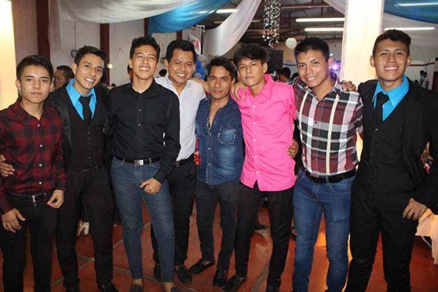 Jesús, Ramón Ricaldi, Manuel Cancino, Alberto Jiménez, Fernando Pérez, Francisco Juárez, Steven Gutiérrez.