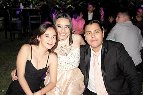 Alexa Camey, Citlalli Ruiz, Djorkaeff Figueroa.