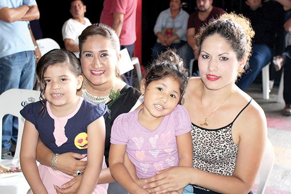 Lucia Meléndrez, Jennifer Domínguez, Michelle Magaña, Maggie Serrano.
