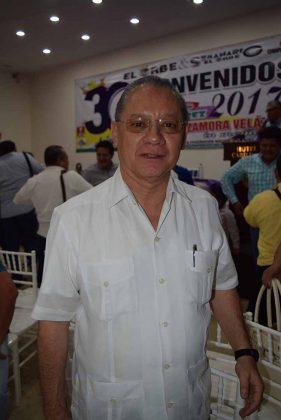 Norberto D´Gyvez, Notario Público.