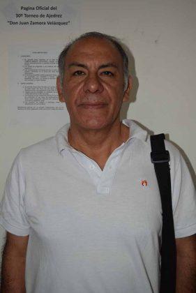 Humberto Blanco, instructor del Taller de Ajedrez del Instituto Municipal para la Cultura y las Artes.