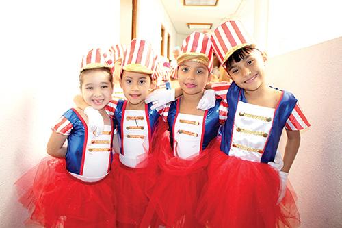 Lía Estrada, Camila Pérez, Karen López, Elizabeth Damián.