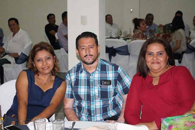 Guadalupe Marroquín, Sergio Aguilar, María Romero.