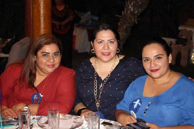 Elena Mejía, Lorena Castellanos, Sarita de Coss.