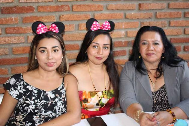 Hanna del Ángel, Ana López, Aurora Aguilar.