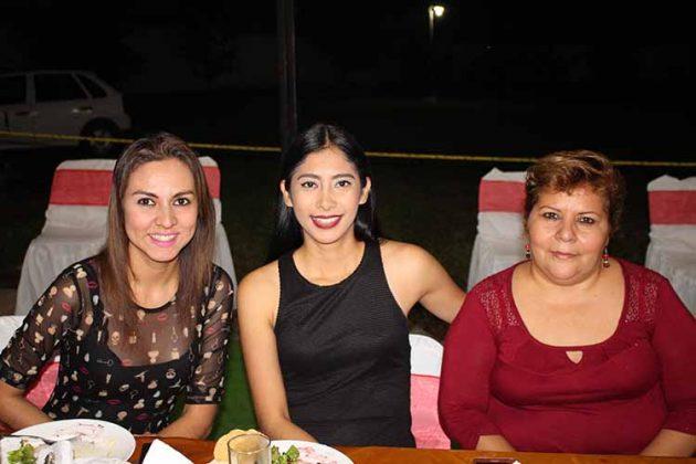Karla Aceituno, Anel Puón, Guadalupe García.