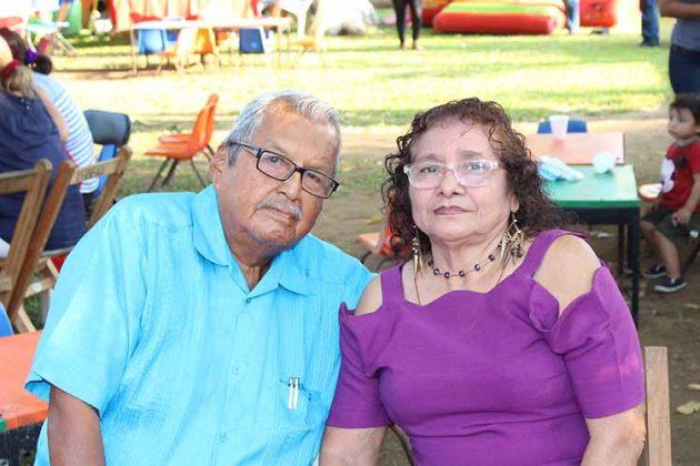 Carlos González, Silvia López.