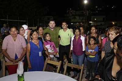 Celebra Fernando Castellanos con Cientos de Tuxtlecos