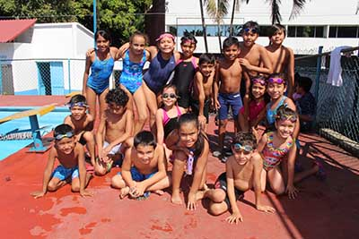 Exitoso Reto de Convivencia Nadando 3 y 5 km
