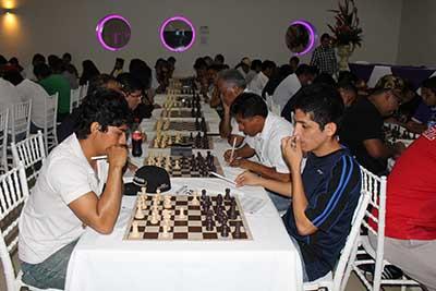 Luego de cerrarse la quinta y sexta ronda, el torneo de ajedrez llegará a su fin este día en punto de las 16 horas, donde se contará con la presencia de los clubes de ajedrez más importantes de la región.