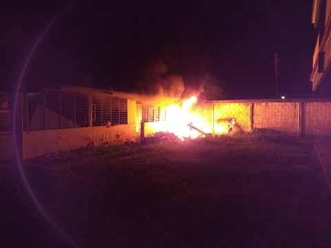 Se Incendia Bodega de Archivo en la Prepa 3