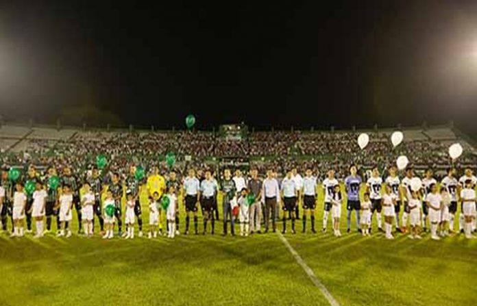 El Gobernador Velasco festejó que ahora Cafetaleros de Tapachula y su afición cuentan con un estadio moderno, y con el que el equipo puede aspirar a subir a la Primera División y recibir grandes espectáculos que impulsarán al turismo en la región.