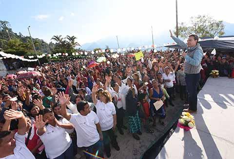 El Gobernador Velasco entregó recursos del programa Prospera en el municipio de Siltepec y Bienestar, y Apoyo a Jefas de Familia en El Porvenir