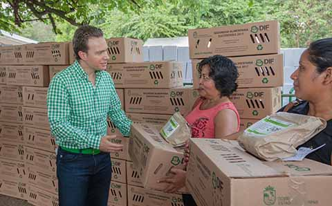 El Gobernador Velasco benefició a mujeres de Huehuetán, Huixtla y Escuintla, para contribuir con la alimentación y economía de sus hogares.