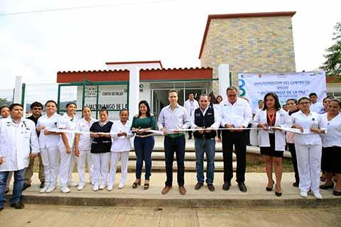 Forma parte de las clínicas y hospitales que se rescatan y construyen en 33 municipios de la entidad. Esta vez tocó en Angel Albino Corzo.