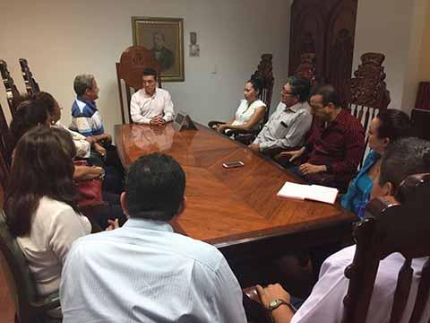Atiende Rutilio Escandón a Habitantes de Tapachula