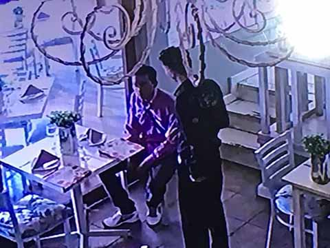Solitario Sujeto Roba en Restaurante Marinni